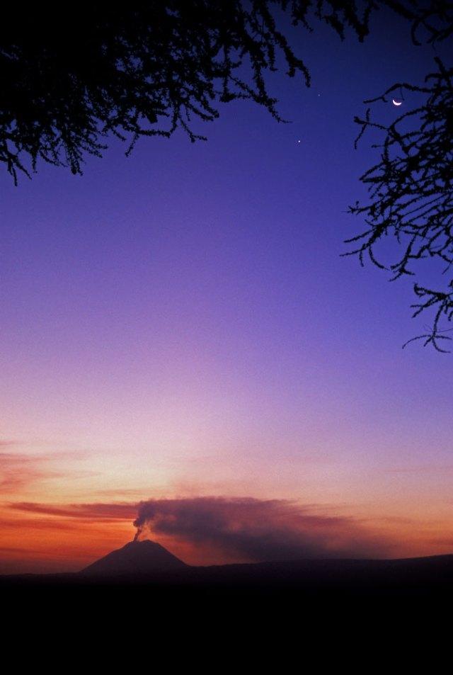 volcanic-eruption-140721